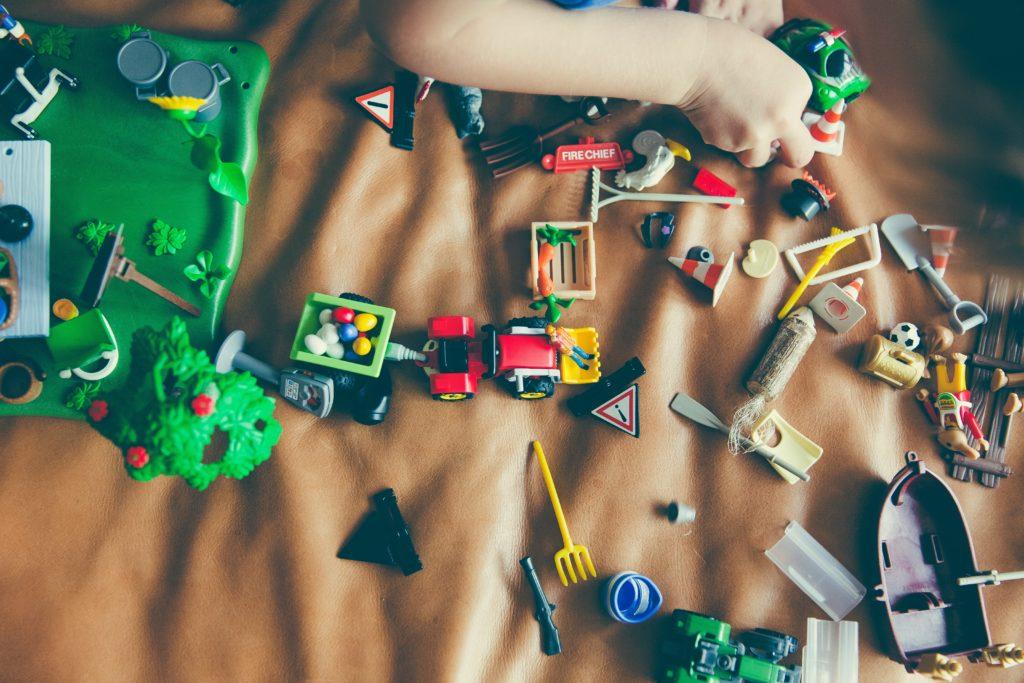 Geschenke-Tipps für Weihnachten mit Kindern