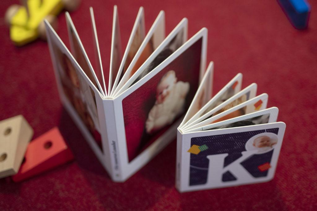 Die Pappbilderbücher gibt es in zwei Formaten.