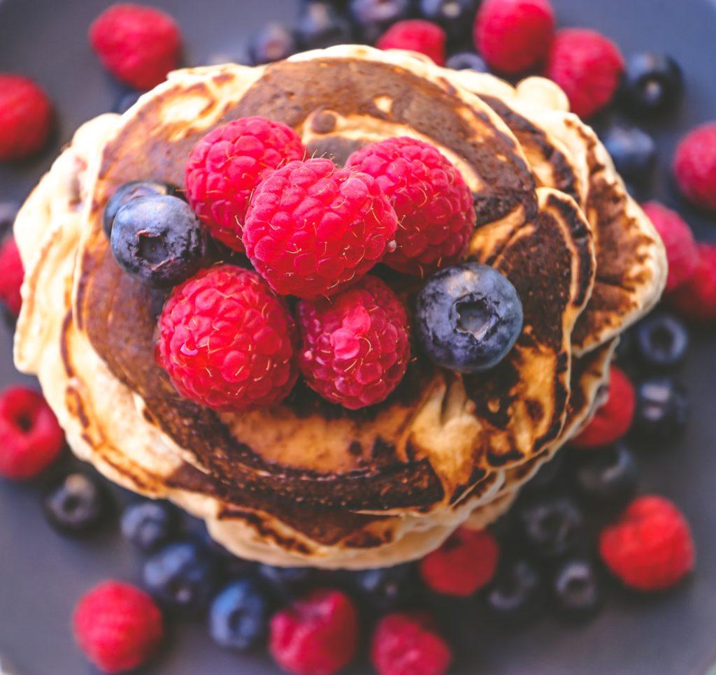 sourdough pancakes mit Beeren