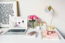 Home Office mit echtem Arbeitsplatz statt Küchentisch